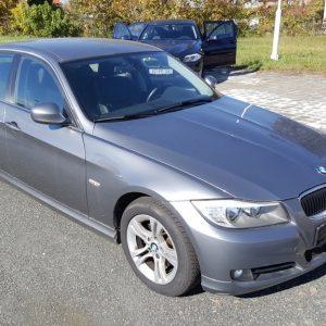 BMW serija 3 318d redizajn, crna koža, zimske gume