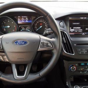 Ford Focus Karavan 1.5 TDCi Titanium, bi-xenon, touch-navi, park pilot