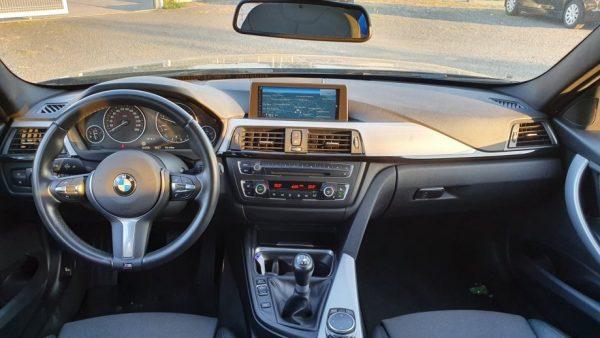 BMW serija 3 Touring 320d Sport Line, 17″, M volan, navi PRO, bi-xenon