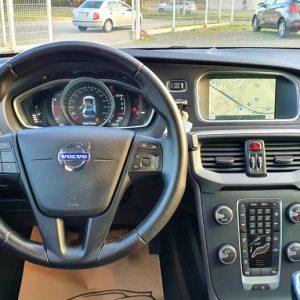 Volvo V40 D2 Kinetic, 16″ alu, LED kontrolna, dual klima, park pilot