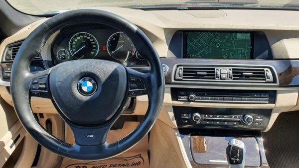 BMW serija 5 520d automatik, M-Sport, 19″ alu, navi PRO, HUD, servisna
