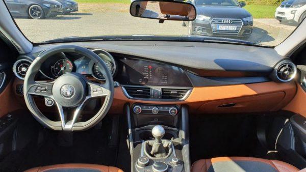 Alfa Romeo Giulia 2.2 D, Super, bi-xenon, 17″ alu, navi, servisna