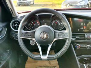 Alfa Romeo Giulia 2.2 D, bi-xenon, 17″ alu, navi, servisna, PDV